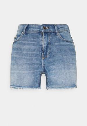 ONLBLUSH  LIFE MID RAW - Jeansshort - medium blue denim