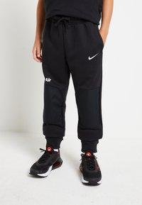 Nike Sportswear - AIR - Trainingsbroek - black/white - 0