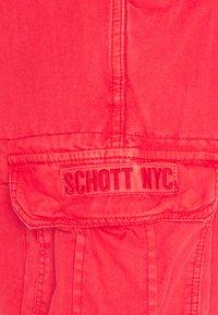 Schott - Shorts - spicy red - 2