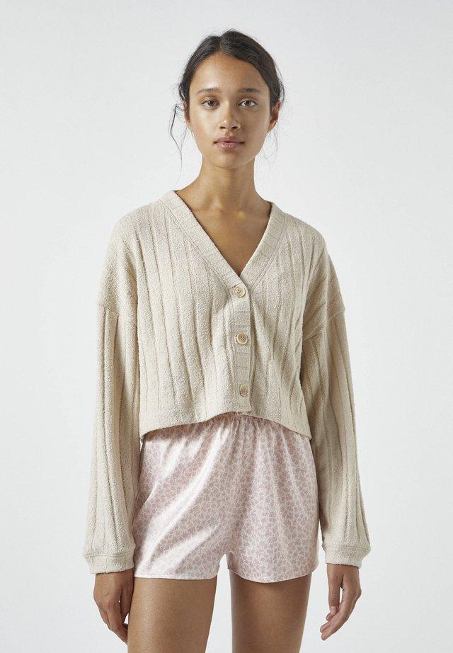 MIT AUSSCHNITTSTICKEREI - Pyjamashirt - mottled beige
