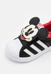 adidas Originals - SUPERSTAR 360 UNISEX - Trainers - core black/footwear white/vivid red - 5