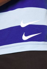 Nike Sportswear - STRIPE TEE - Print T-shirt - psychic blue/deep royal blue - 5