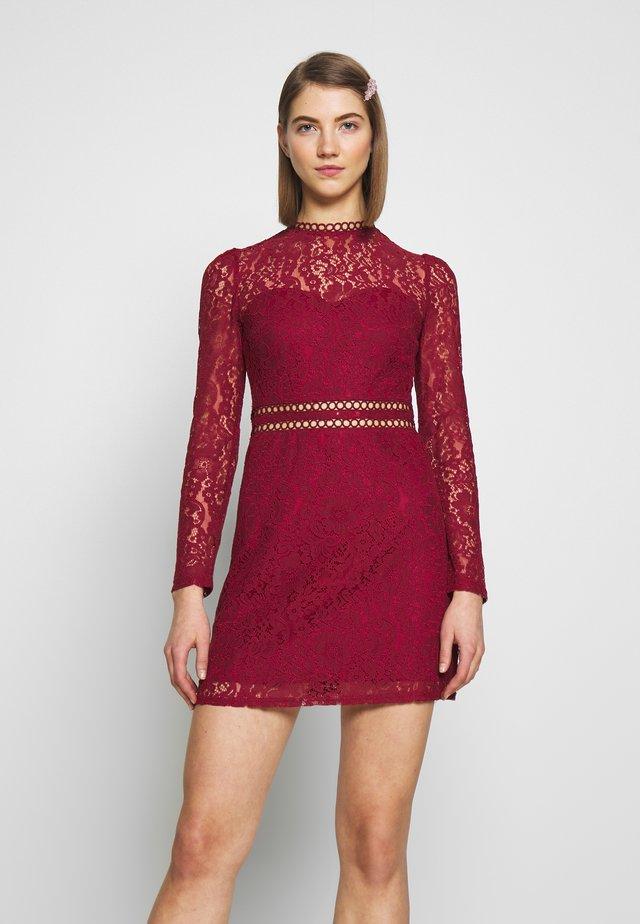 SHUSH - Sukienka letnia - burgundy