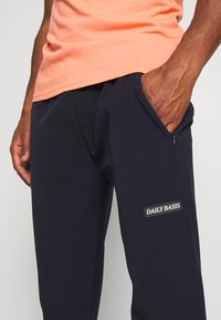 Daily Basis Studios - TRACK PANT - Tracksuit bottoms - navy - 3