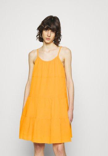 SARAH DRESS - Korte jurk - jurassic gold
