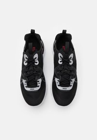 Nike Sportswear - REACT VISION 3M - Sneakers - black/anthracite/white/university red - 3