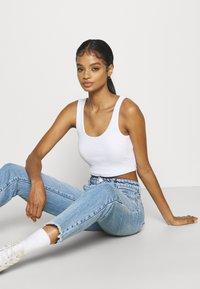Abrand Jeans - HIGH SLIM - Jeans slim fit - olivia eco - 3