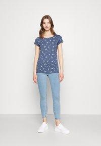 Ragwear - MINT CAMOMILE - Print T-shirt - indigo - 1