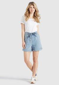 khujo - CANDICE - Denim shorts - blau - 1