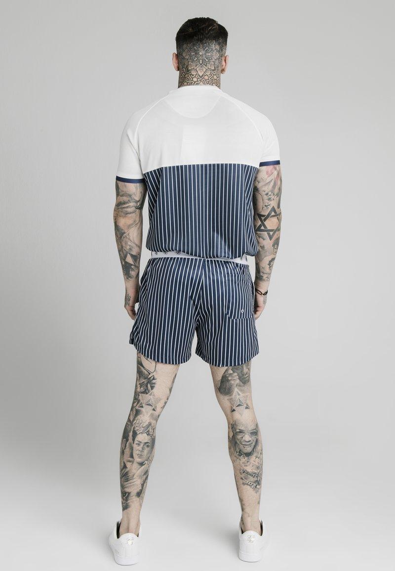 SIKSILK T-Shirt print - white navy/dunkelblau YmjWpP