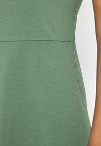 Even&Odd - Sukienka z dżerseju - light green - 5