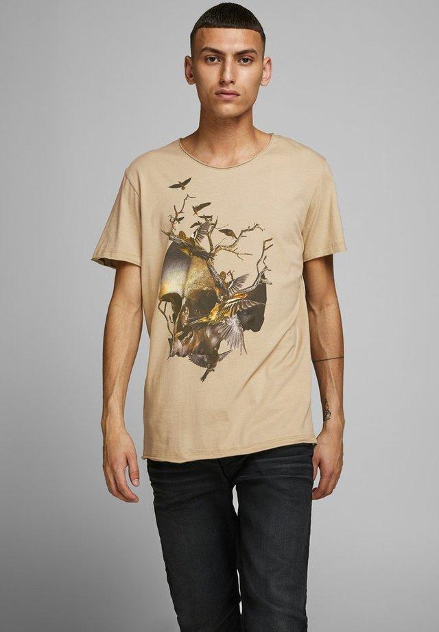 JORCLAUS TEE CREW NECK - T-shirt con stampa - crockery