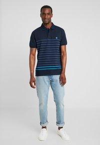 Timberland - MILLERS RIVER STRIPE  - Polo shirt - dark sapphire - 1