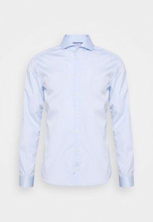 SUPER SLIM FIT - Formal shirt - light blue