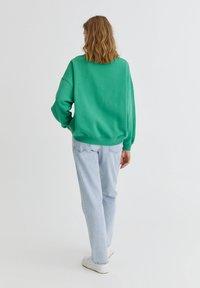 PULL&BEAR - OXFORD - Sweatshirt - green - 2