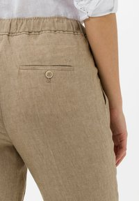 BRAX - Trousers - toffee - 4