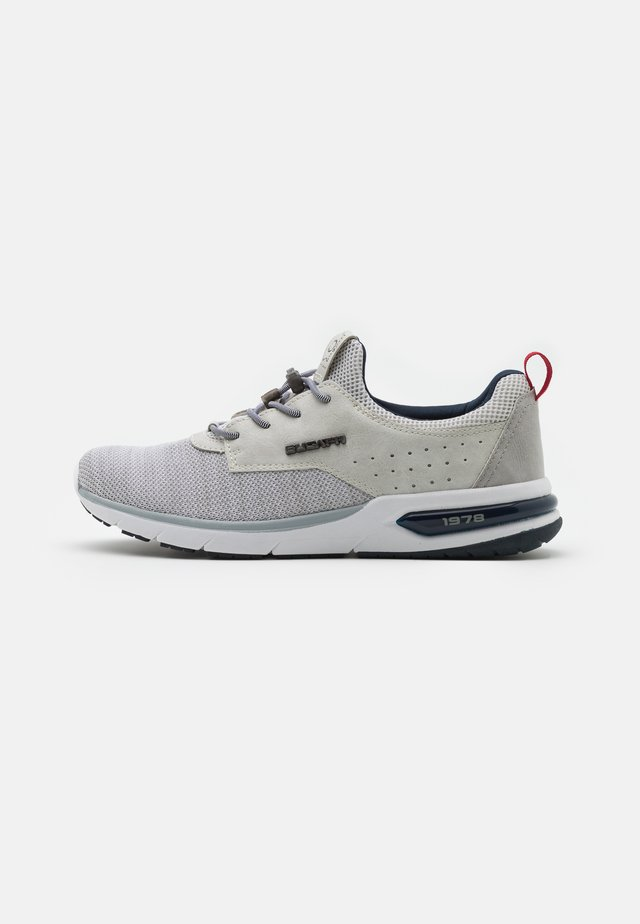 NUMBIS - Sneakers laag - offwhite