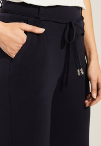 comma - Tracksuit bottoms - navy - 3