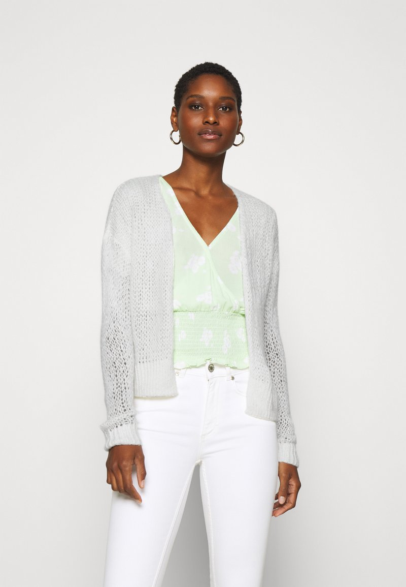 Abercrombie & Fitch - LOUISE OPEN STITCH  - Cardigan - white