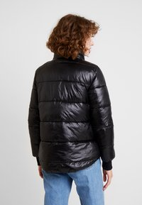 Guess - FELICIA REVERSIBLE JACKET - Winter jacket - jet black - 2