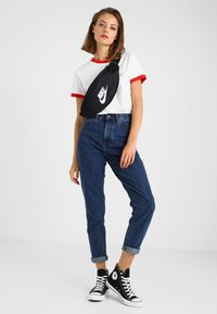 Nike Sportswear - HERITAGE HIP PACK - Bæltetasker - black/white - 5