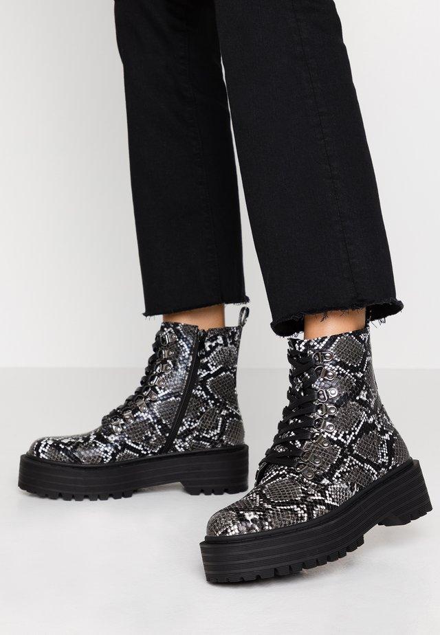 REIGN - Platform ankle boots - grey