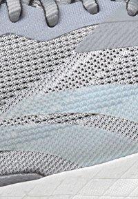 Reebok - FLOATRIDE ENERGY SYMMETROS SHOES - Stabilty running shoes - grey - 10