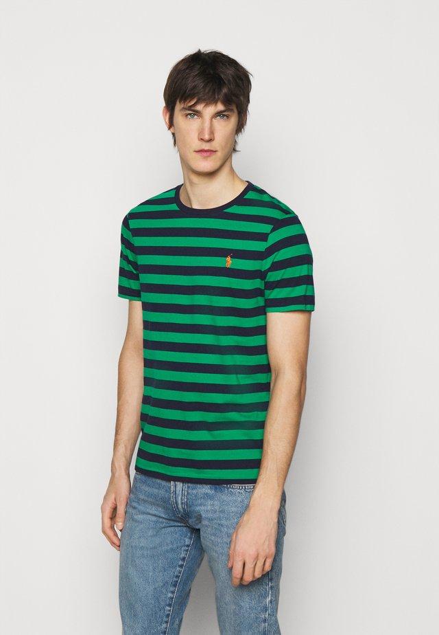 Print T-shirt - scarab green