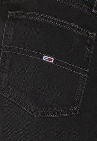 Tommy Jeans - MOM ULTRA  - Džíny Relaxed Fit - black denim - 6