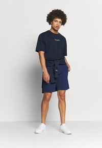 Champion - ROCHESTER CREWNECK - T-shirts basic - navy - 1