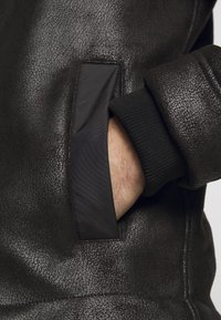 EA7 Emporio Armani - GIUBBOTTO - Leather jacket - black - 8