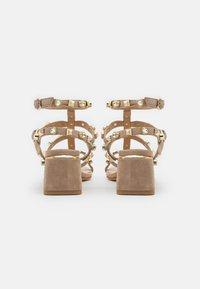 Alma en Pena - Sandals - vison - 3