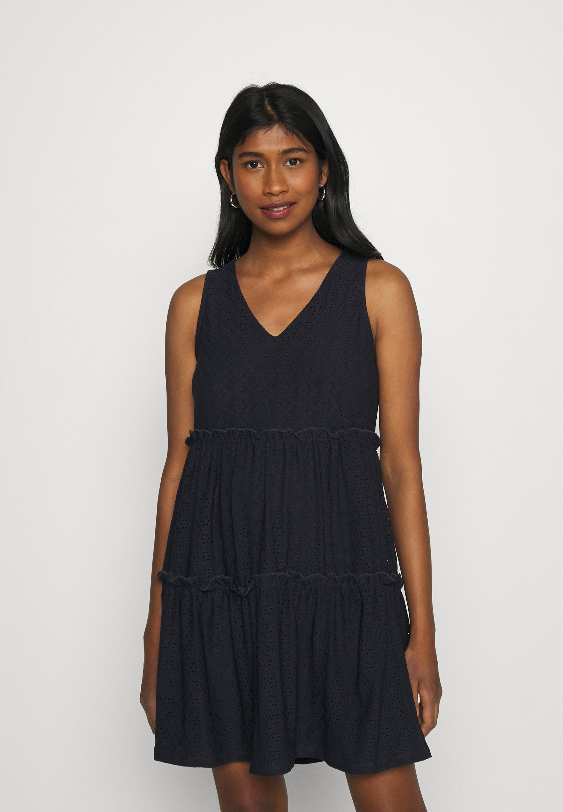 Women ONLLINA V NECK DRESS - Jersey dress