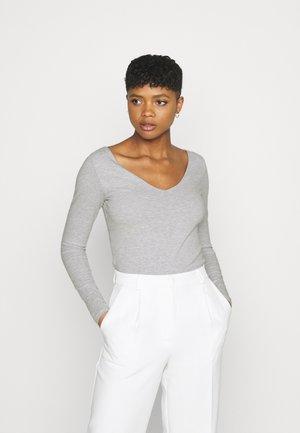 EVERYDAY WIDE V NECK LONG SLEEVE - Long sleeved top - light grey marle