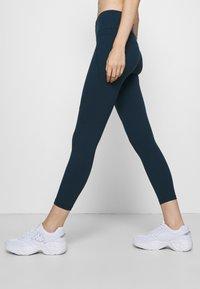 Sweaty Betty - POWER WORKOUT 7/8 LEGGINGS - Leggings - beetle blue - 3