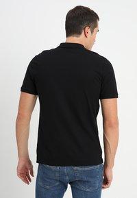 Calvin Klein - REFINED CHEST LOGO - Pikeepaita - perfect black - 2