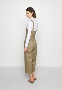 Who What Wear - THE CROSS BACK DUNGAREE - Dungarees - light tobacco - 2