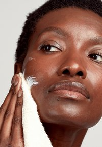 Pai Skincare - MIDDLEMIST SEVEN  - Skincare set - - - 4