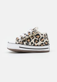 Converse - CHUCK TAYLOR ALL STAR CRIBSTER ARCHIVE ANIMAL PRINT UNISEX - First shoes - natural ivory/doe/black - 0