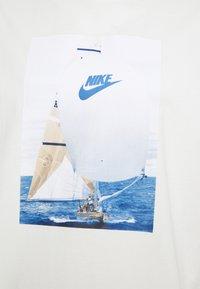 Nike Sportswear - TEE - Print T-shirt - sail - 2