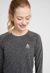 ODLO - CREW NECK SEAMLESS ELEMENT - Long sleeved top - grey melange - 3