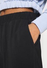 Vero Moda - VMCOCO PANT - Cargo trousers - black - 6