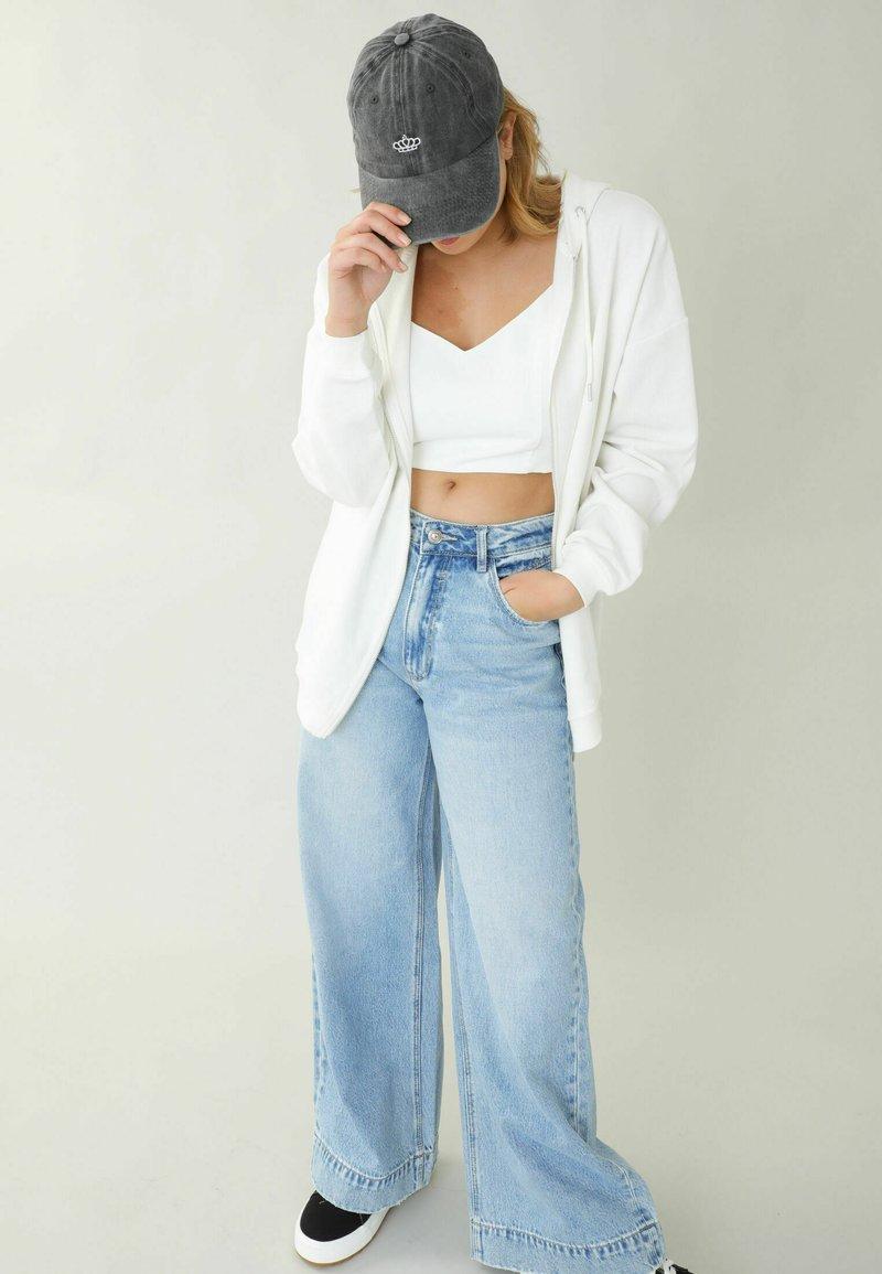 Pimkie - Zip-up sweatshirt - altweiß
