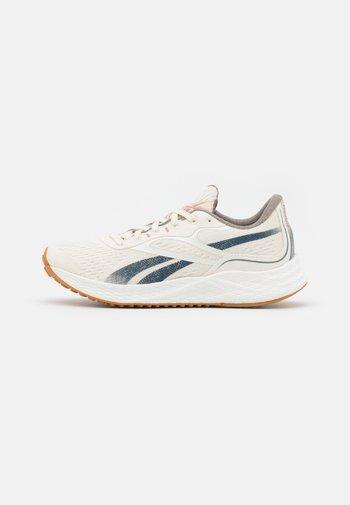 FLOATRIDE ENERGY GROW - Zapatillas de running neutras - claassic white/brave blue/bould grey