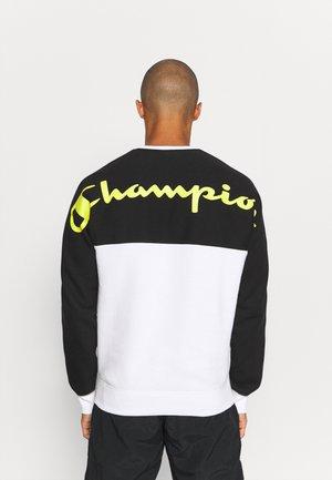 CREWNECK  - Sweatshirt - white/black