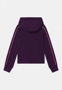 Nike Sportswear - HOODIE - Hoodie - grand purple/sunset pulse/vapor green - 1