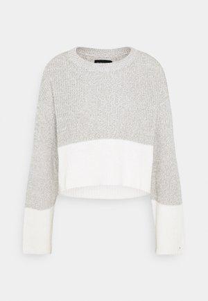 Strikkegenser - grey/white