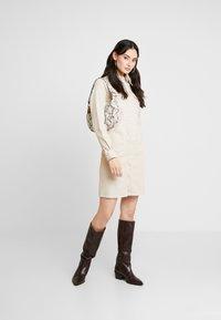 Gestuz - DRESS - Denim dress - safari - 1