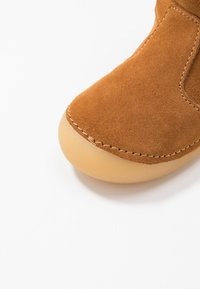 Kickers - SOFUR - Baby shoes - camel - 2