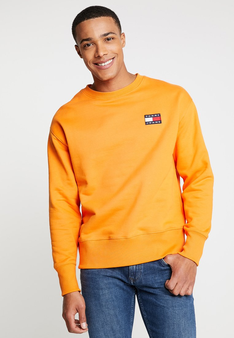 Tommy Jeans - BADGE CREW - Sweatshirt - orange